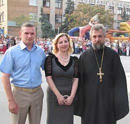 А. Пинаев, Е.Грищенко о.Иоанн на празднике